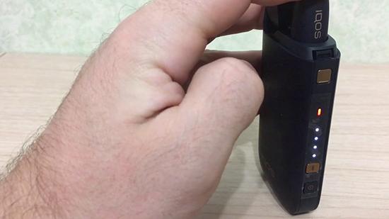 Что делать, если айкос мигает белым: инструкция по устранению проблемы