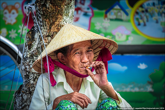 Можно ли без последствий ввезти и курить айкос во Вьетнаме