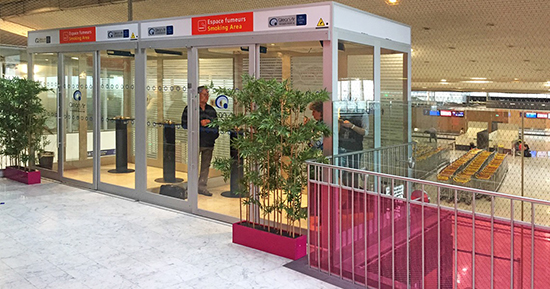 Допускается ли использование iQos в аэропортах?